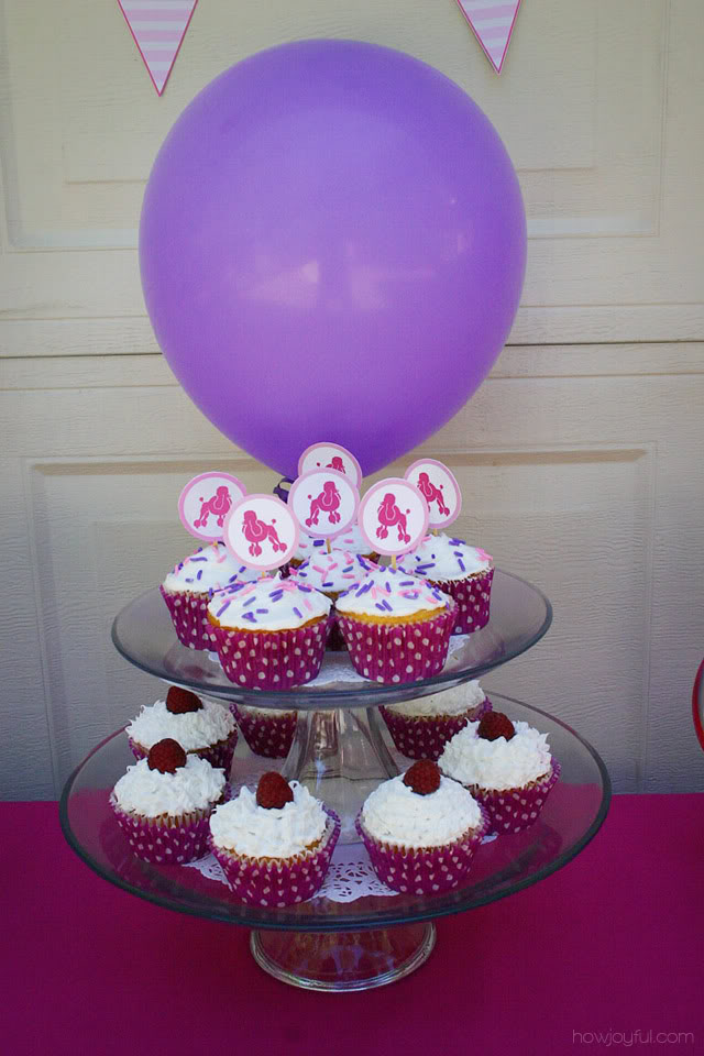 cupcakes in stand