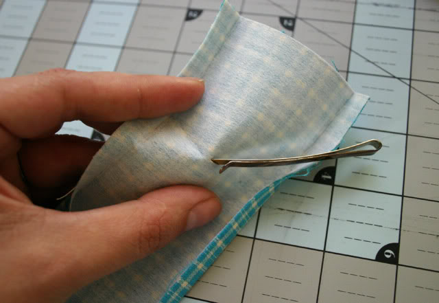 detachable pincushion pin