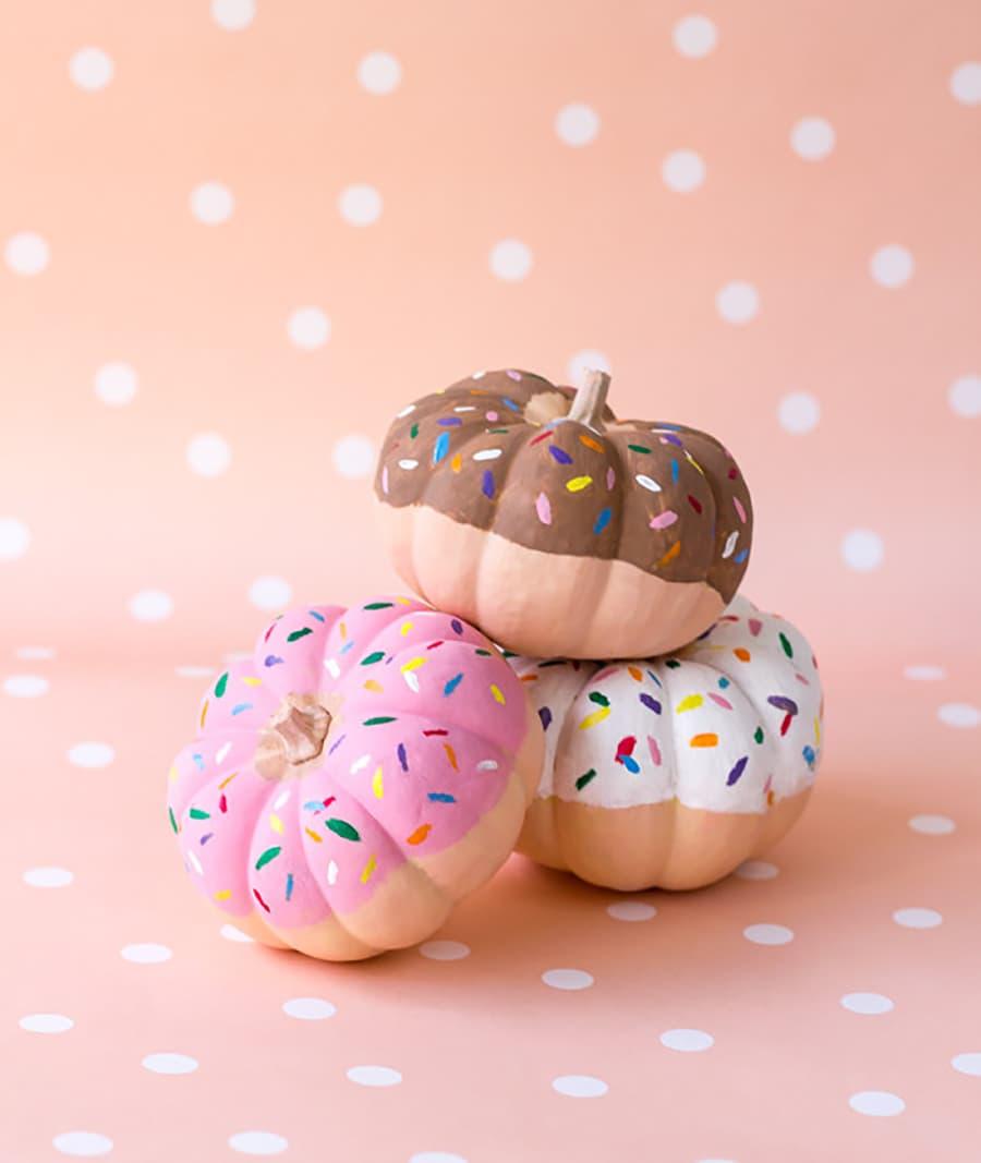 pumpking paint donut