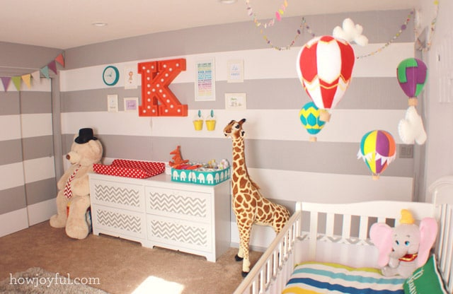 changing table circus